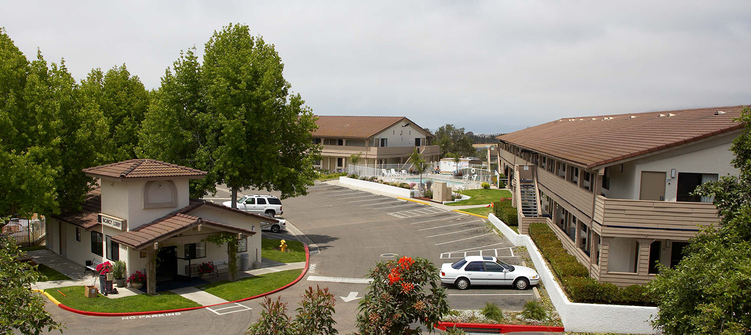WELCOME TO PREMIER INNS PISMO BEACH LOCATED RIGHT OFF HIGHWAY 101 IN ARROYO GRANDE